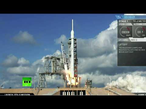 Посадка первой ступени ракеты Falcon 9 после запуска секретного военного челнока для ВВС США (видео)