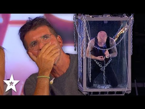 Simon Cowell Fears For Underwater Escape Artist on America's Got Talent: The Champions 2020