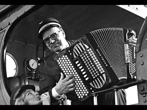 gorissen - Addy Kleijngeld en Jan Gorissen waren geen vreemden voor elkaar, zo speelde Addy in Jan' s eigen accordeonorkest dat b.v. op veel grammofoonplaten van Max va...