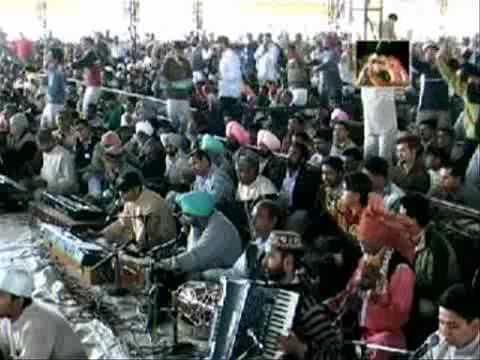 Video Dhan Dhan Satguru Tera Hi Aasra (Prabhu Prem ko Dekhe) download in MP3, 3GP, MP4, WEBM, AVI, FLV January 2017