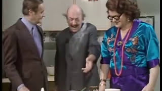 How To Cook Chinese (benny Hill)