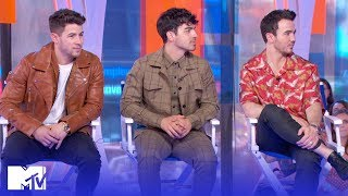 Video The Jonas Brothers Reveal Who Cried Listening To 'Happiness Begins' | MTV MP3, 3GP, MP4, WEBM, AVI, FLV Juni 2019