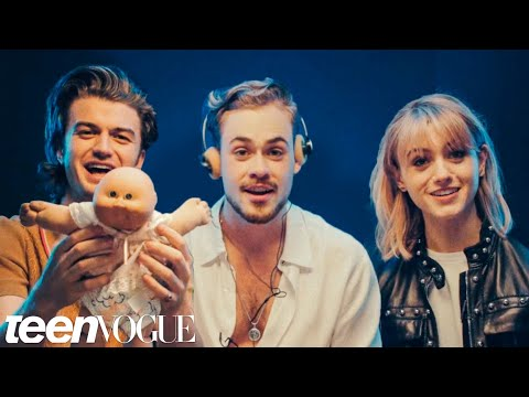 Stranger Things Cast Reviews 80s Fads | Teen Vogue