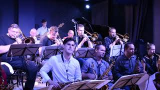 Video eMBryo bigband plays Count Bubba's Revenge