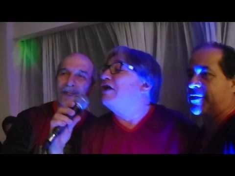 Leões em Caxambu cantam Amigos de Roberto Carlos
