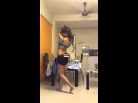Erotic dance moves (видео)