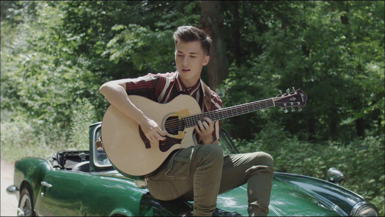Still D.R.E. on One Acoustic Guitar – Marcin Patrzalek