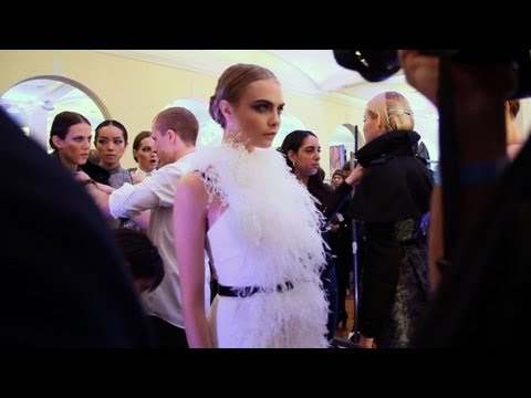 Jason Wu - Jason Wu Fall 2013 backstage with Cara Delevingne, Jourdan Dunn, Daphne Groenveld and Jessica Stam. Reported & Produced by Karen Morrison. Video by MODTV htt...