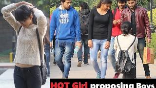 Video HOT Girl Proposing Boys in PUBLIC (Valentines Day PRANK) Prank In India 2017 MP3, 3GP, MP4, WEBM, AVI, FLV Desember 2017
