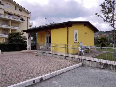 Alba Adriatica, la casetta di via dei Tigli: la polemica corre sul web FOTO