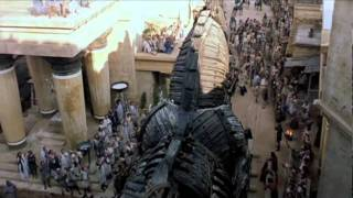 "Trojan Horse clip from ""Troy"""