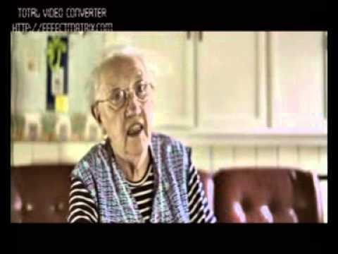 jeroen meus - meer info: http://www.cinemapax.be/ Deze oudere dame heet Andrea Van de Casteele (88 jr.) en woont in Roborst. Ze heeft geen te hoge pet op voor Jeroen Meus ...