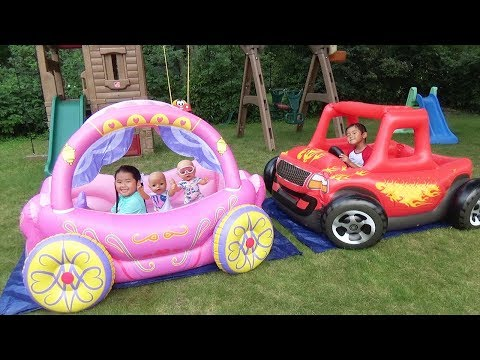 Children Play in Princess Carriage & Monster Truck Swimming Pool with Color Water Balloons