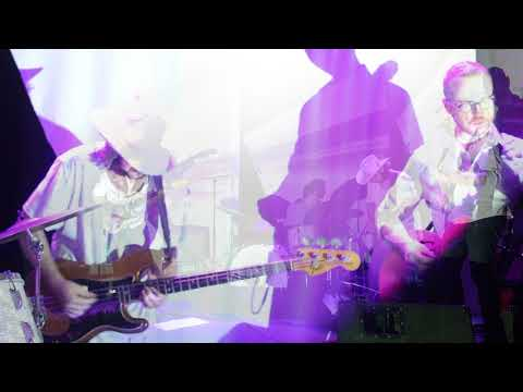 (Don't Listen to the) Static – live clip