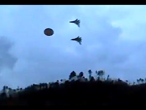 aereo stealth intercetta navicella aliena