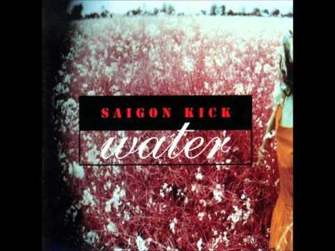 Tekst piosenki Saigon Kick - Water po polsku
