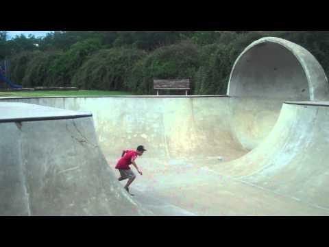 Alex Bridgewater AKA Obama Skateboarding the BOWL