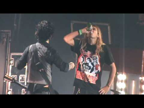 Best stage presence by a fan on a Green Day concert