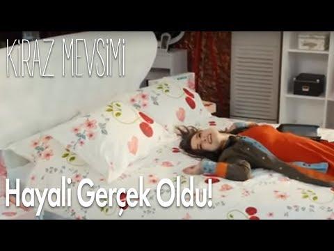cherry season - oyku e il letto dei suoi sogni