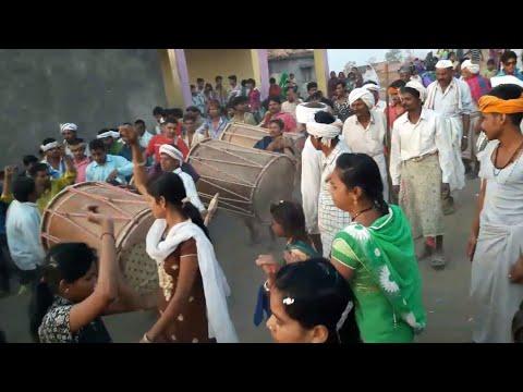 Video आदिवासी/Adivasi का अनोखा होली/त्योहार नृत्य 2018 download in MP3, 3GP, MP4, WEBM, AVI, FLV January 2017