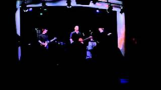 Video Painsong + The Flush (živě)