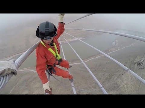 Tanz auf dem Drahtseil - in 300 Metern Höhe