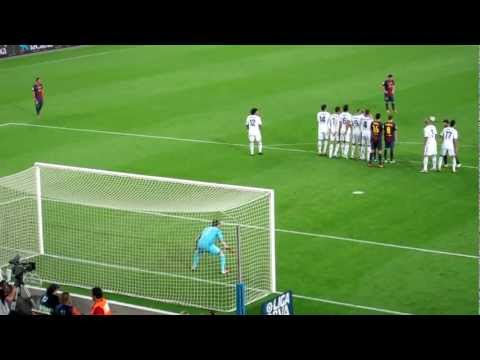 leo messi goal! (barcelona - real madrid 2-2 07/10/12)