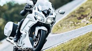 7. 2016 Yamaha FJR 1300, triplets will arrive in UK Yamaha dealers in February 2016