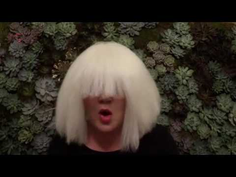 Kelly Clarkson - Chandelier (Sia Cover)
