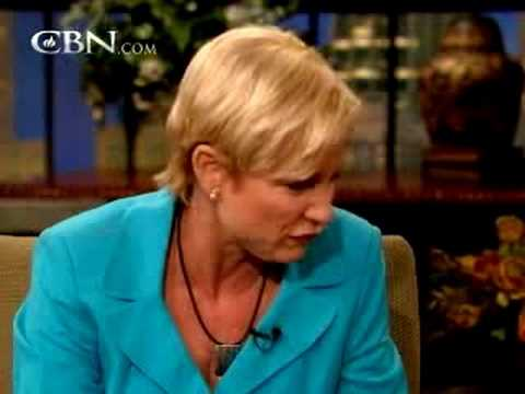 Heidi Baker: Intimacy for Miracles (miracle testimony) – CBN.com