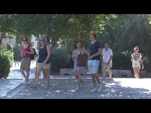 Οι ξένοι τουρίστες δίνουν ψήφο εμπιστοσύνης στη χώρα μας παρά την κρίση