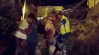 Földrengés döntött romba házakat az olaszországi Ischia szigetén hétfőn este.77 Két halottat és legkevesebb 25 sérültet...