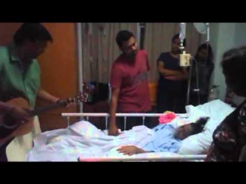 Keerthi Sings A Song To Fulfill Last Wish of Patient