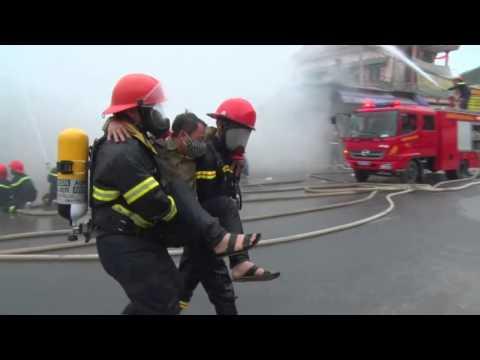 Cảnh sát PC&CC Nghệ An tổ chức diễn tập chữa cháy