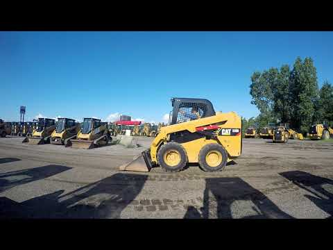CATERPILLAR KOMPAKTLADER 236D equipment video YhzF3_PoUto