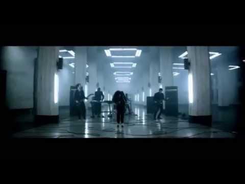 Demi Lovato - Shouldn't Come Back lyrics