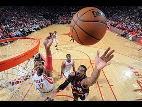 Duel: LaMarcus Aldridge vs. Dwight Howard