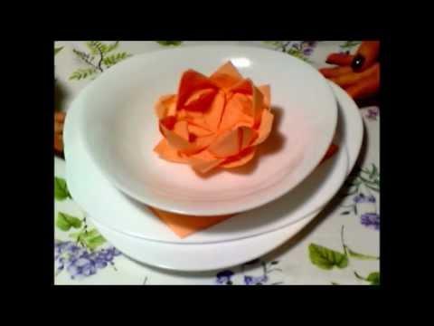come realizzare un fiore con un tovagliolo di carta