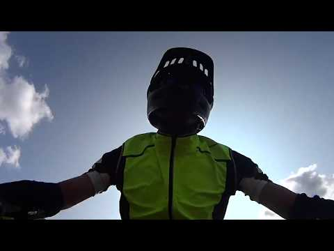 Preview video Downhill in Mountain Bike