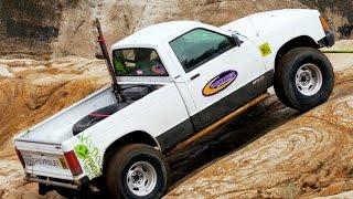 4. 2014 Cheap Truck Challenge! 93' S10 vs 95' Grand Cherokee vs 75' International - Dirt Every Day 32