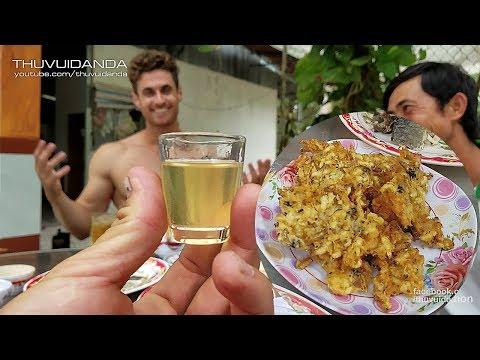Phấn Hoa Tửu Bánh Nhộng Ong Mê Lòng Dustin | Anh Em Được Thử Rượu Ong Mặt Quỷ - Thời lượng: 30:21.