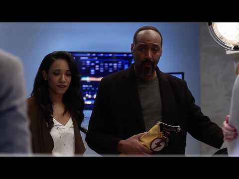 The Flash 3x15 Ending Scene Barry  Caitlin