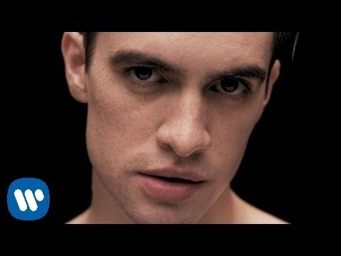Panic! At The Disco – Girls/Girls/Boys