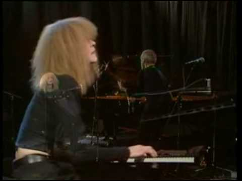 Carla Bley and Steve Swallow – Lawns