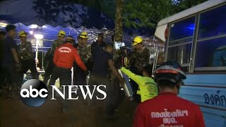 Video Rescuers close in on boys' soccer team trapped in cave MP3, 3GP, MP4, WEBM, AVI, FLV September 2018
