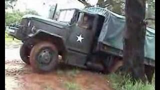 Caminhão REO  M-35 A2C 6x6