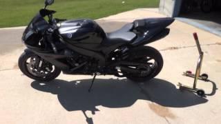 9. Yamaha R1 Raven High Definition!!