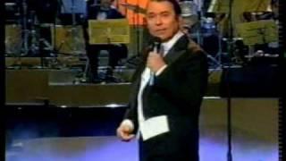 RAPHAEL La canción del tamborilero 2000 - www.raphaelfans.com