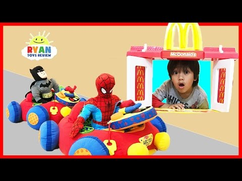 McDonald's Drive Thru Pretend Play Food Toys for Kids w/ Spiderman Ride On Cars Happy Meal Surprise