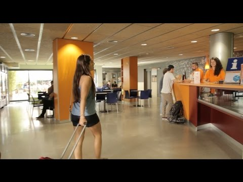 Barcelona Pere Tarres Youth Hostel Videosu